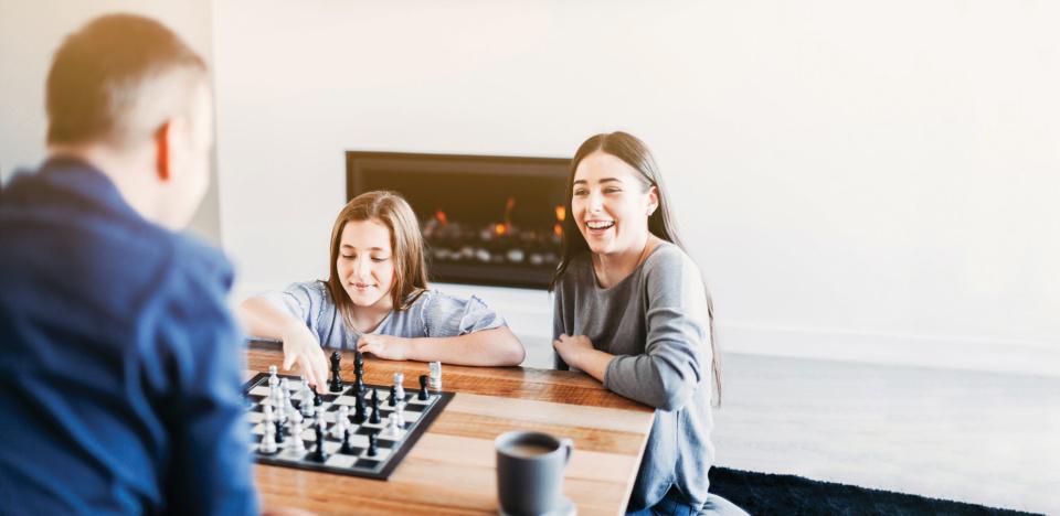 Playing chess web